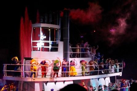 Fantasmic Finale (Top: Steamboat Willie, Meeko, Pocahontas, John Smith, Mary Poppins, Bert, Genie; Middle: Stitch, Doc, Grumpy, Happy, The Prince, Snow White, Dopey, Sneezy, Sleepy, Bashful, Aladdin, Jasmine)