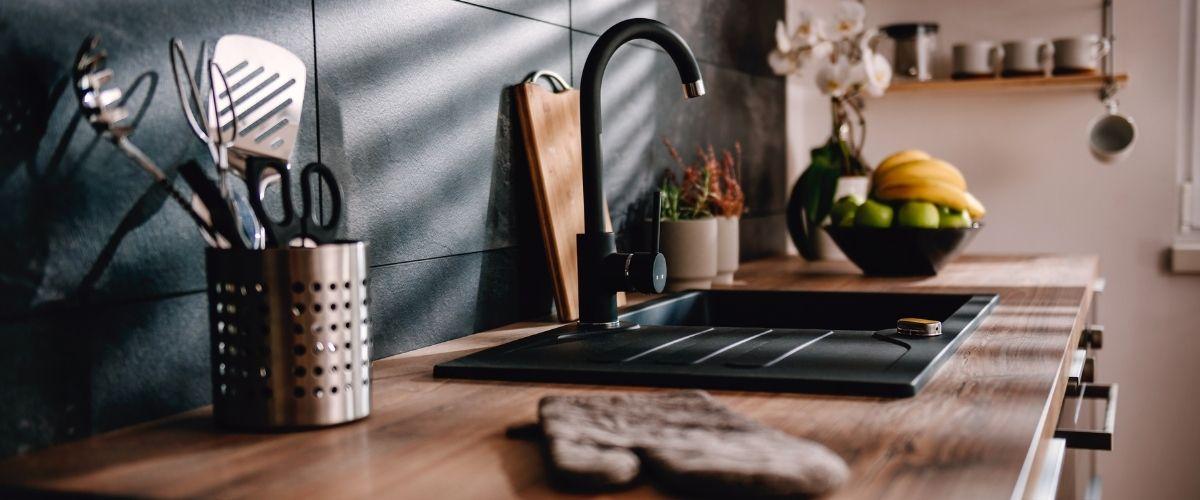 Split level kitchen remodel image
