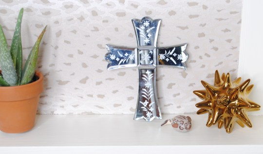 bookcase detail cross