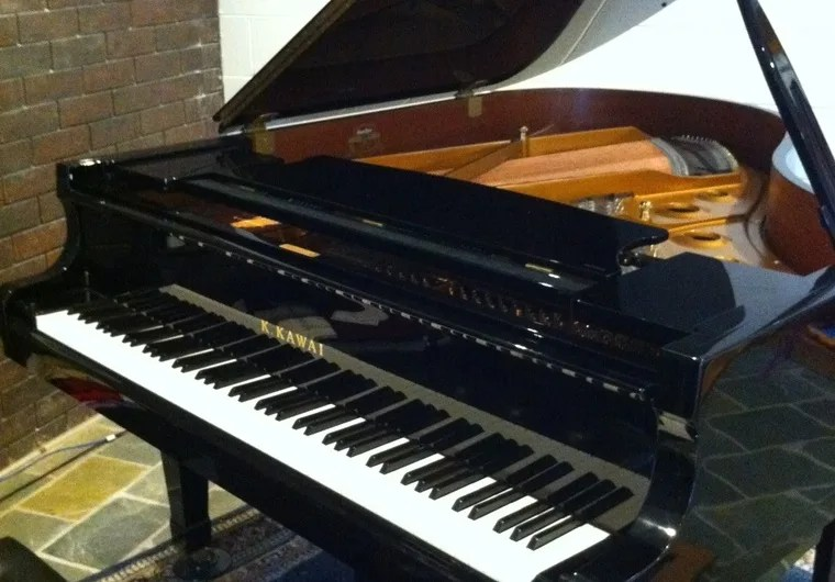 Sing And Play A Personalised Happy Birthday Song In An Aussie Accent On A Genuine Grand Piano By Musoman Fiverr