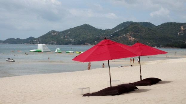 Chaweng-beach-Koh Samui-Thailand-bikini-babe