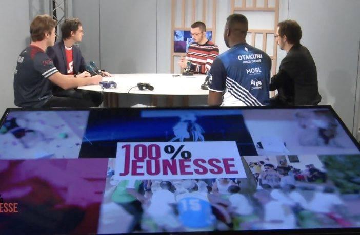 """Photo de l'interview de Alexis """"Calaoh"""" lorsque l'association Five'sTv fût invité au côté de nos amis Lana-France et Helios Gaming par la télé local."""
