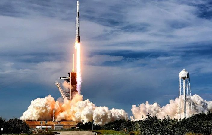SpaceX blasted another 52 Starlink internet satellites and 2 payloads into orbit on a Falcon 9 rocket, which landed perfectly
