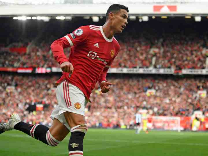 How much does Cristiano Ronaldo earn at Man United & how does his salary compare to rest of Premier League?