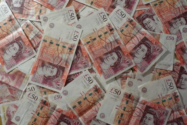 Gift, betrayal, finance money, pounds