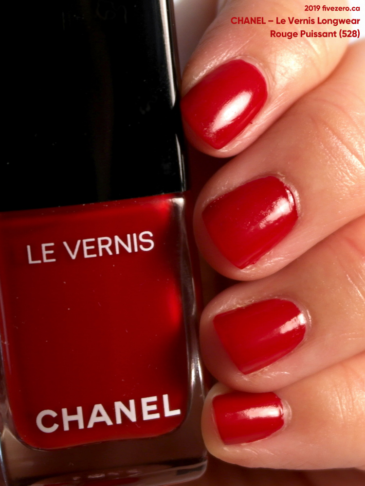 Chanel Le Vernis Longwear Nail Colour in Rouge Puissant (528)