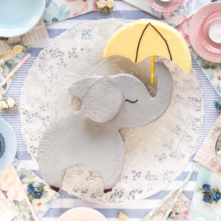 elefanttarta-med-paraply-av-2-runda-kakor-av-anna-winer-07-jpg.jpg