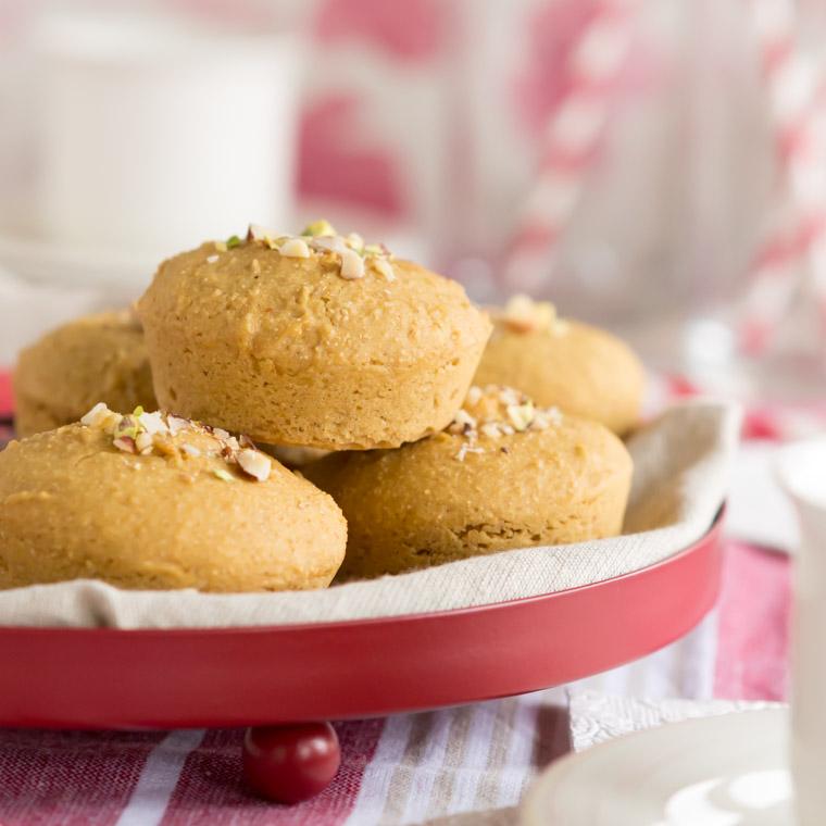 nyttiga-snabba-och-allergianpassade-frukostbullar-av-anna-winer-03-jpg.jpg