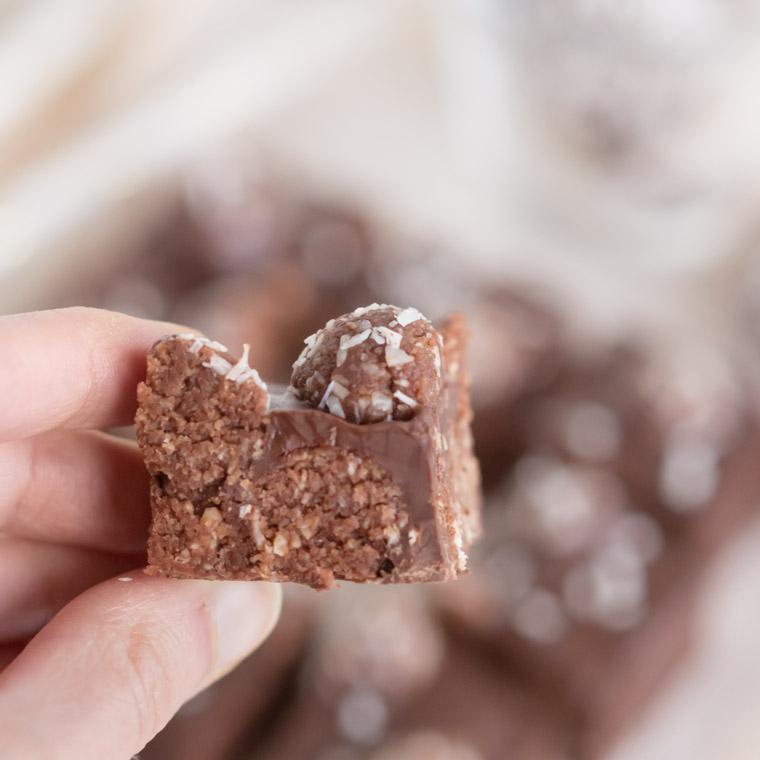 rocky-road-av-chokladbollar-av-anna-winer-04-jpg.jpg