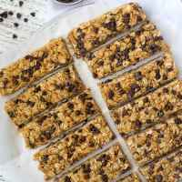 Chewy Peanut Butter Chocolate Chip Oatmeal Bars