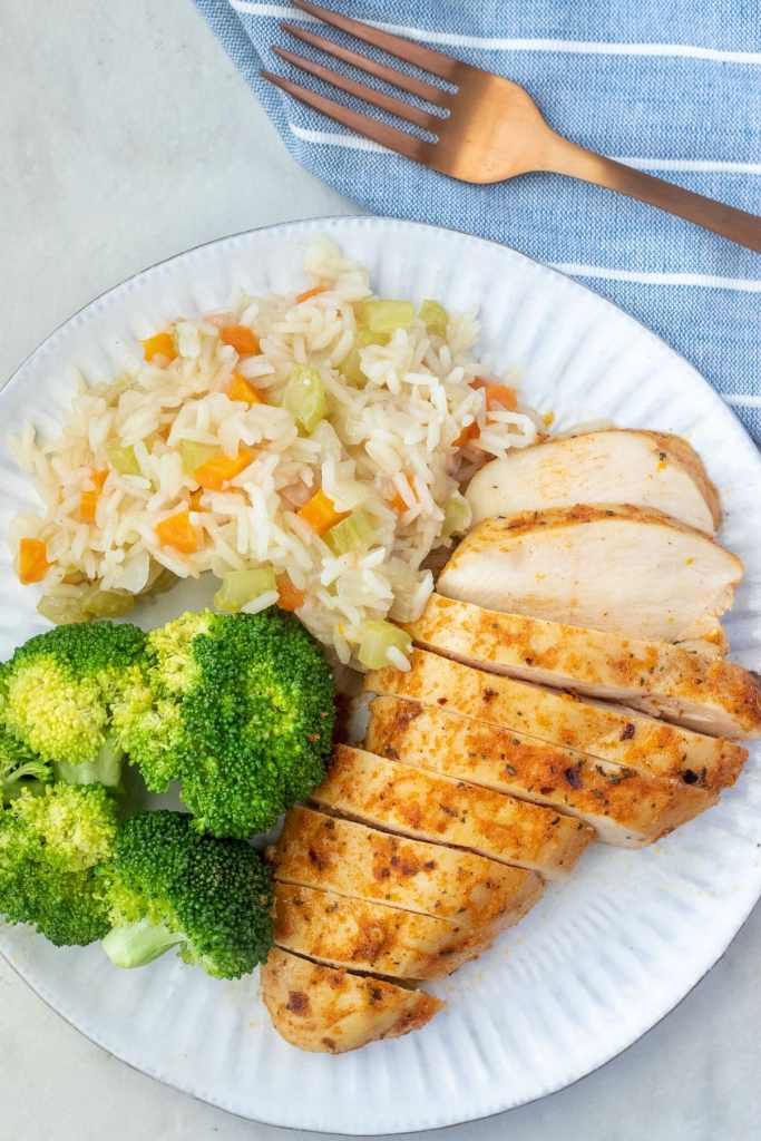 Example of how to serve healthy baked chicken breast.