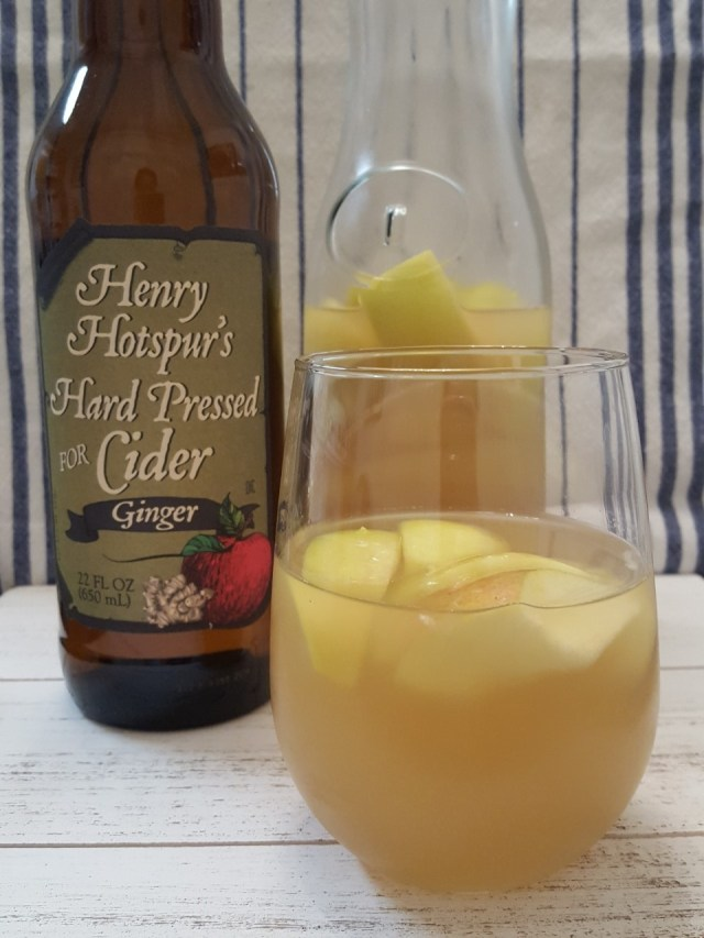 apple-cider-sangria-with-cider-bottle