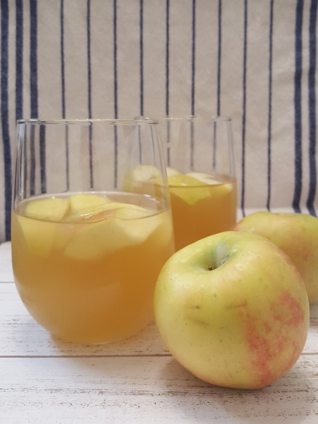 two-apple-cider-sangrias