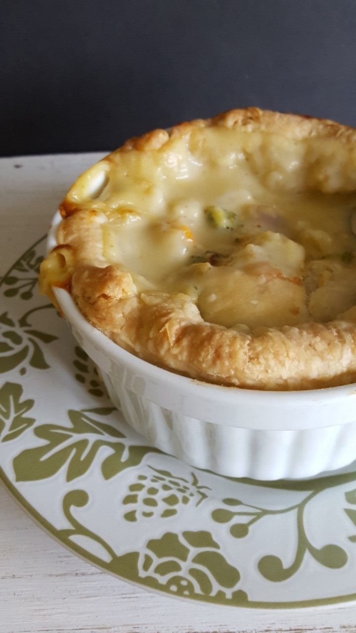 Freezer Friendly Broccoli Cheddar Pot Pie