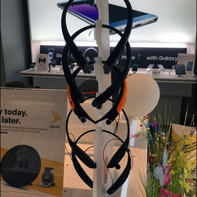 Sprint LG Headphone Display Tower 1