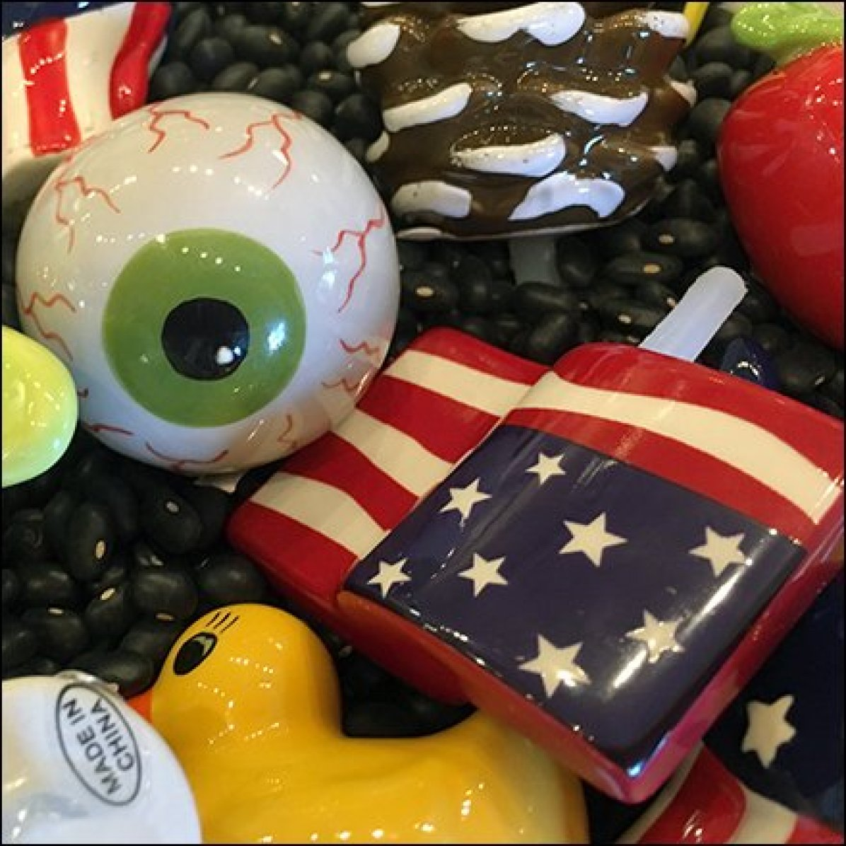 Nora Flemming Serving Pieces Eyeball & Flag Feature