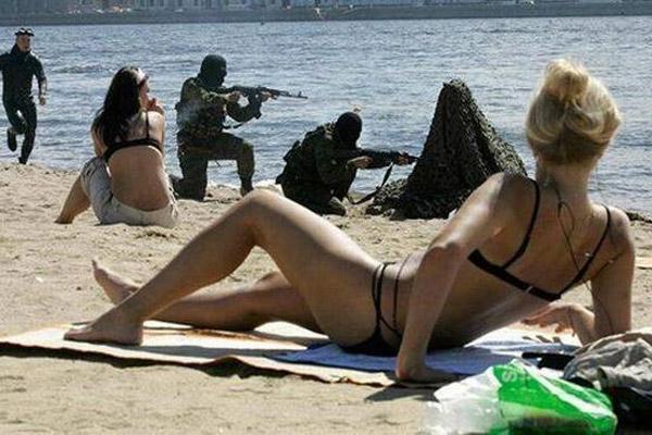odd things at beach (2)