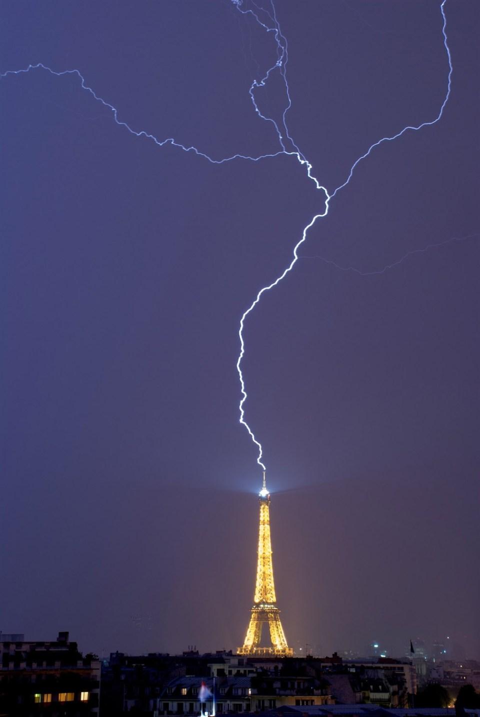 Stunning Lightning Strikes (8)