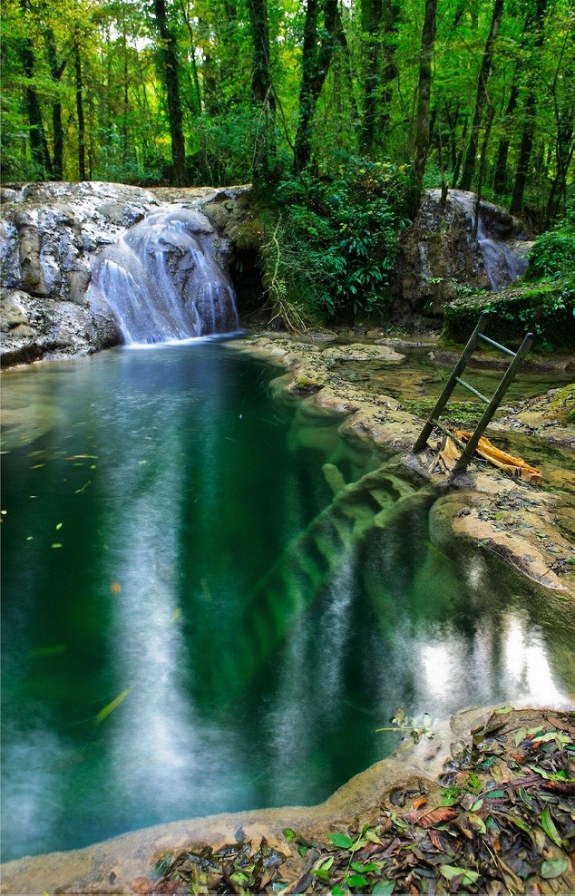stunning waterfalls (14)