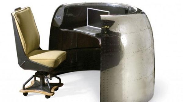 Aeroplane desk