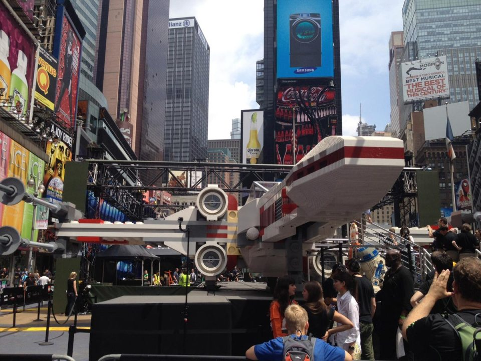 2-lego-built-an-epic-full-size-x-wing