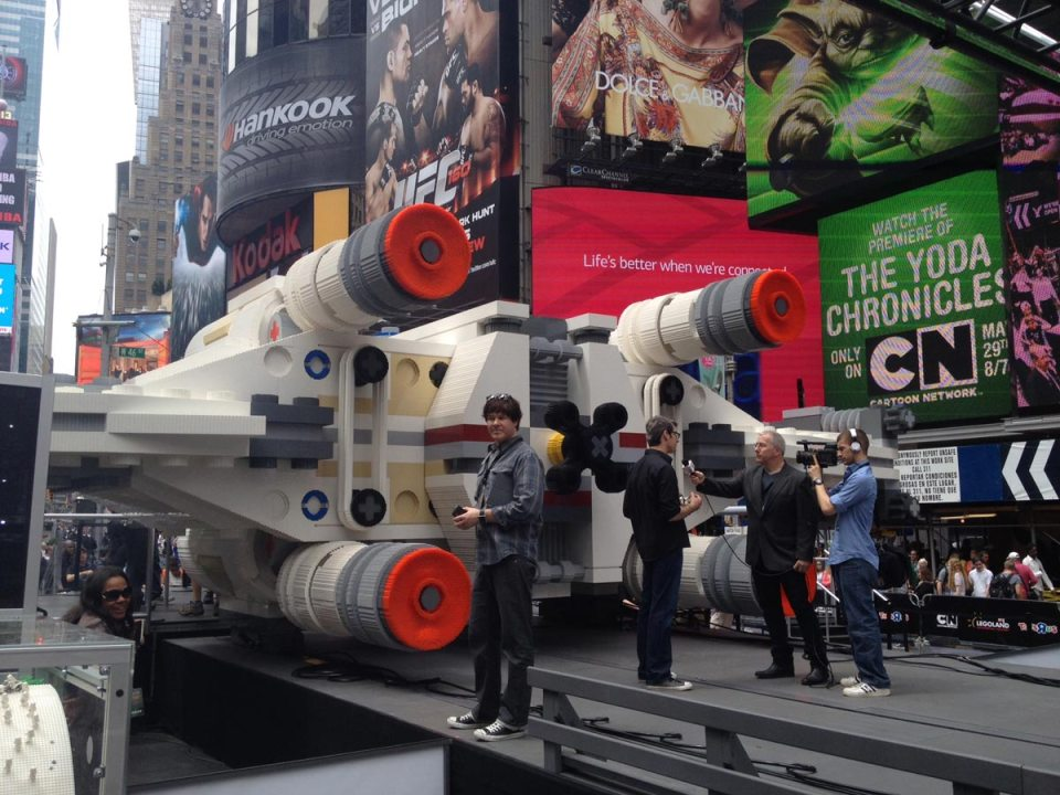 4-lego-built-an-epic-full-size-x-wing