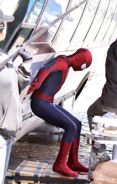 amazing-spider-man-2-set-photo-bus-2-383x600