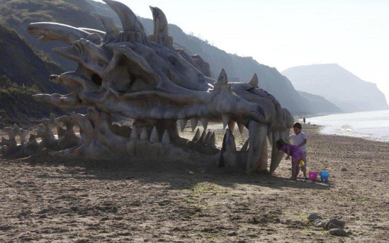 GAME OF THRONES Giant Dragon Skull