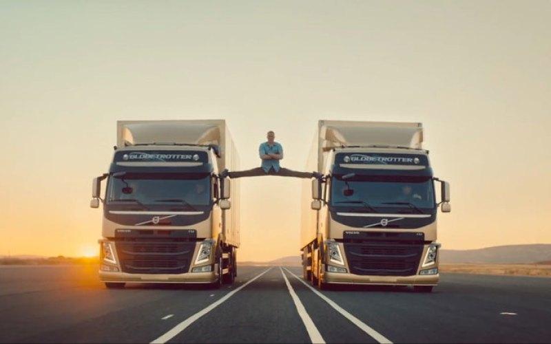 Jean-Claude Van Damme's Truck Splits Stunt