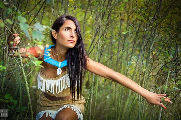Amazing Pocahontas Cosplay