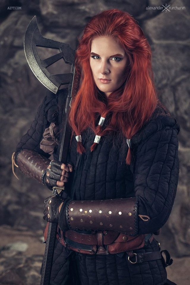 Women Cosplaying As Male Characters From The Hobbit