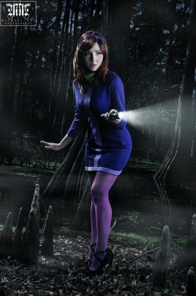 Daphne Cosplay by Tracy Collins (1)