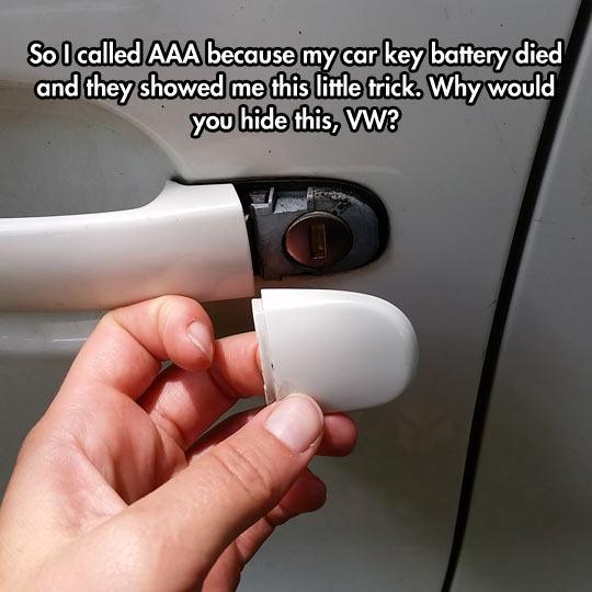funny-car-battery-key-trick-1