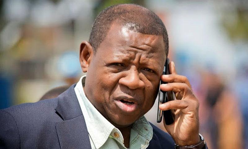 Urgent! Urgent! À la Rtnc Kinshasa Lambert MENDE vient de dire que le gouvernement vient de décreter l'État d'urgence pour 3 mois à compter de ce jour