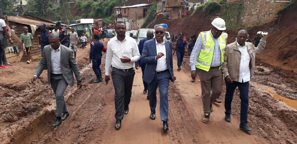 Sud-kivu- infrastructure : le gouverneur Théo NGWABIDJE KASI a inspecté les travaux sur la RN 29B tronçon Ruzizi 2 - place major vangu