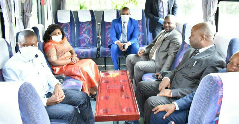 ©Ph Zachée M, le Gouverneur du Nord-Kivu et son staff en mode luxe.