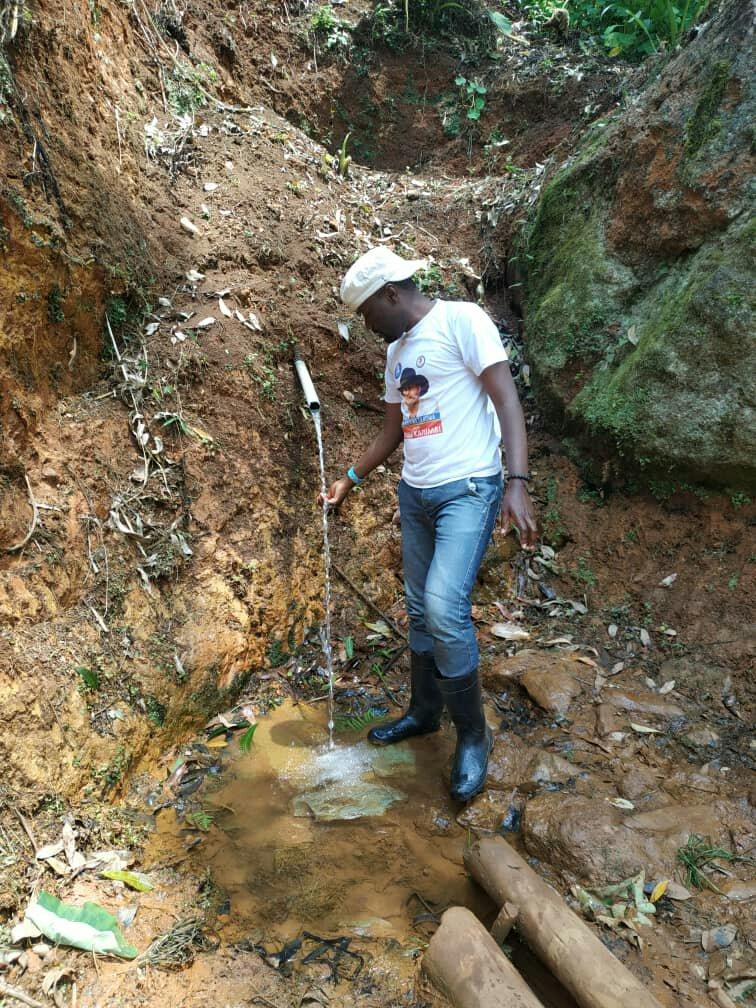 Lutte contre la propagation du Corona virus dans la région de Beni : le député provincial Saidi Balikwisha plaide pour un projet de d'adduction d'eau potable pour desservir certains villages du territoire de Beni où l'accès à l'eau potable est un vrai casse tête