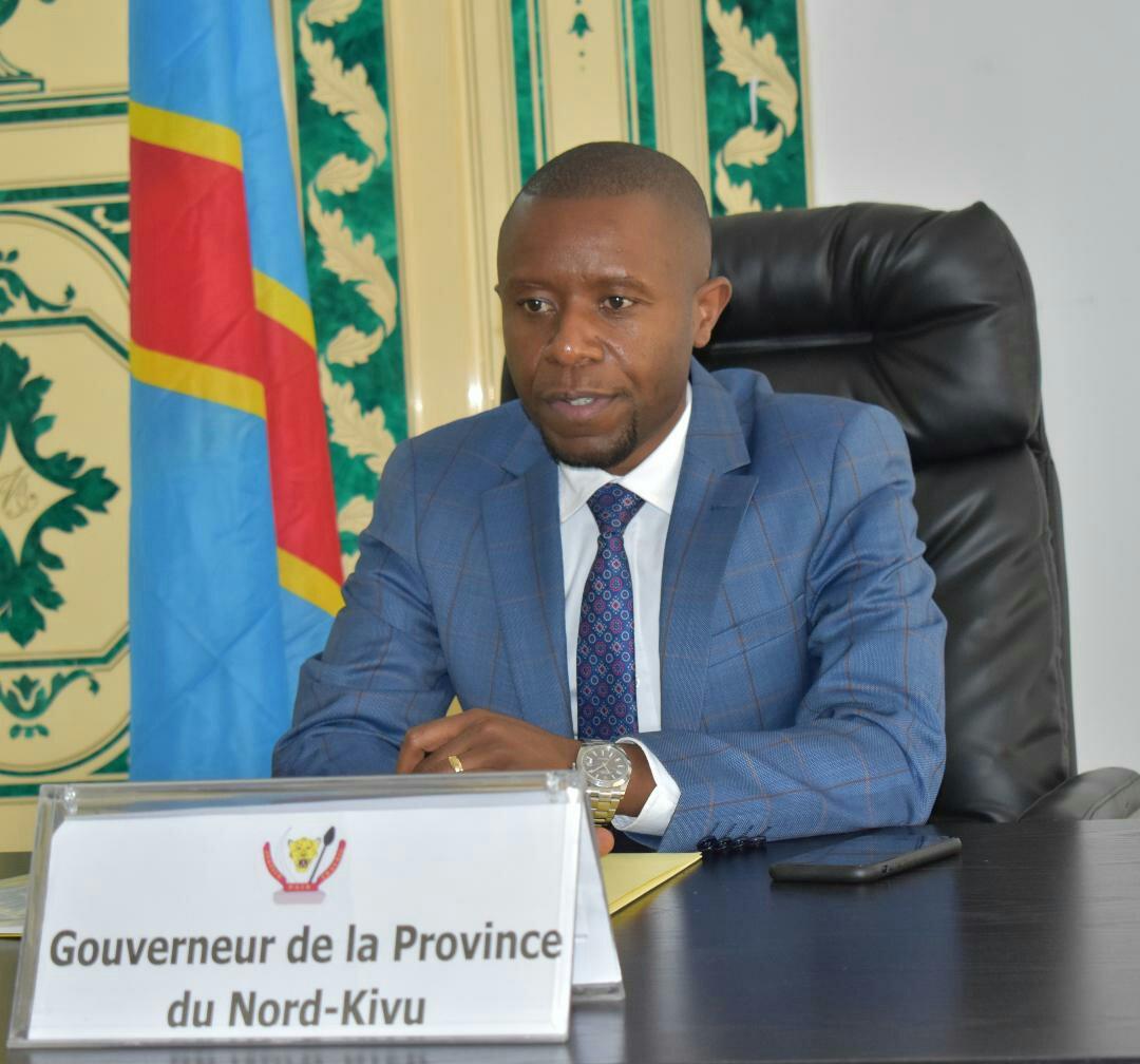 ©Ph Zachée M, le Gouverneur Nzanzu Kasivita Carly dans son cabinet.