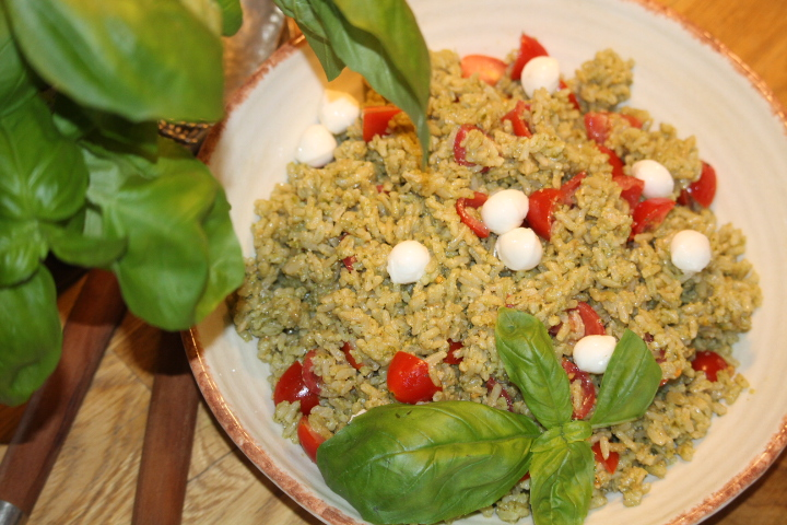 'Orzo' Pasta Salad: Pesto Caprese