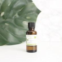 huile essentielle de ravintsara contre les boutons et l'acné