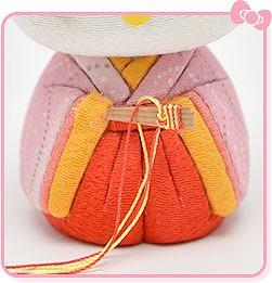 檜扇(ひおうぎ) 【数量限定】ハローキティの手作りひな人形キット 人形の久月HPから引用