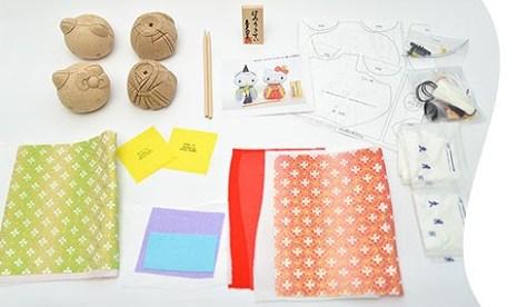 『キティちゃんの手作りひな人形キット』 【数量限定】ハローキティの手作りひな人形キット 人形の久月HPから引用