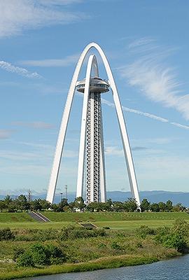 ツインアーチ138(138m 愛知県一宮市) 全日本タワー協議会HPから引用