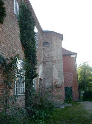 Rückseite des Torhauses