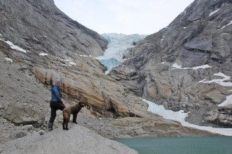 Annd and Karma in front of the glacier