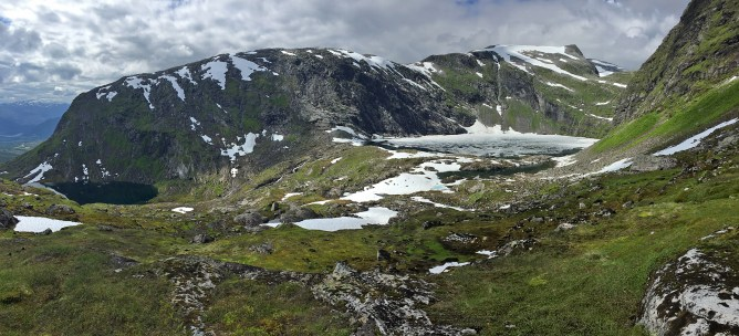 The upper of the Tussevatna lakes
