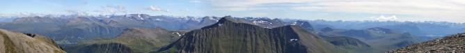Ytstetinden summit view (3/3)