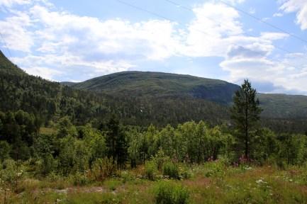 Ruten massif seen from the trailhead