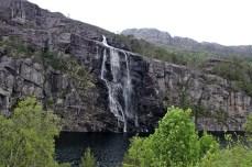 Brudesløret waterfall