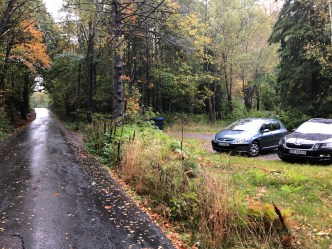 The trailhead. My rental car to the right